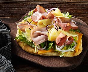 SmokeMaster™ Black Forest Ham & Vermont Cheddar Cheese Flatbread