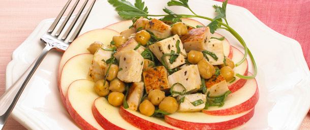 Warm Apple-Rimmed Chickpea & Ovengold® Turkey Salad
