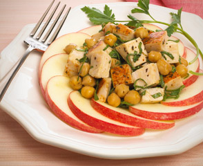 Warm Apple-Rimmed Chickpea & Ovengold® Turkey Salad