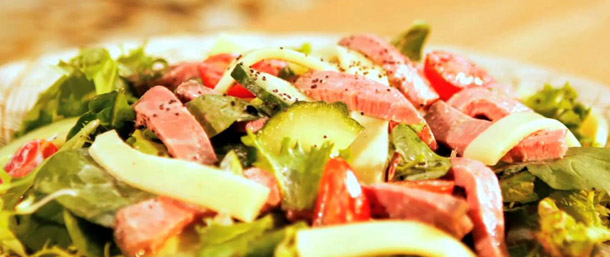 Lower Sodium Roast Beef Salad with Garlic Yogurt Dressing