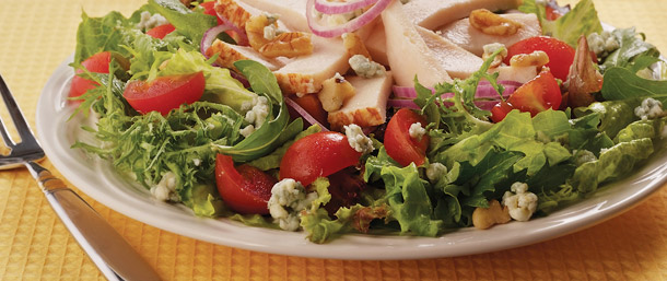 Lower Sodium Golden Classic® Chicken & Blue Cheese Salad