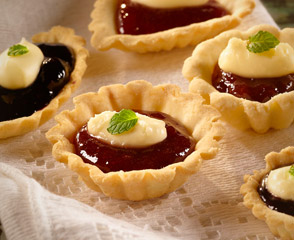 Gluten Free Blackberry Brie Tartlets